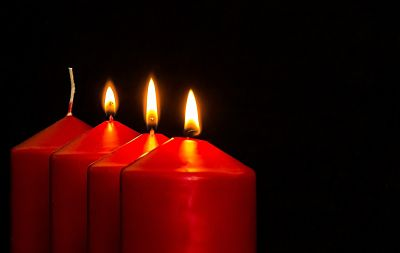 3 advent candles
